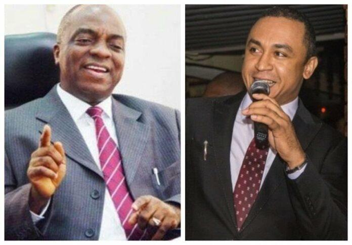 Bishop David Oyedepo || Daddy Freeze || News || Praizention.com